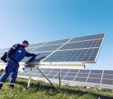 Solcellsanläggning monterad av Kraftpojkarna. Foto: Caverion