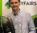 Björn Hultqvist, Designlights ena ägarhalva och kreative ledare, här vid prisutdelning på Elmässan 2016 i Kista. Foto: Rolf Gabrielson