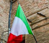 Italiens flagga på innergård. Foto: Colourbox