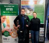 Osloföretaget Nore VVS, här representerad av lärlinarna Johnny Dahlen og Marthe Lange, är en av de VB-medlemmar som redan testat Hyss-systemet under en tid. Foto: Värme & Bad