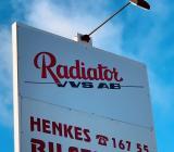 Skylt vid Radiators kontor i Härnösand. Foto: Rolf Gabrielson