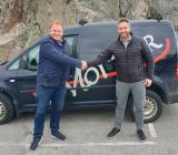 Kåre Henning Åsly (tv), vd Moi Rör och Roger Aksnes, affärsområdesansvarig Instalco Norge. Foto: Instalco