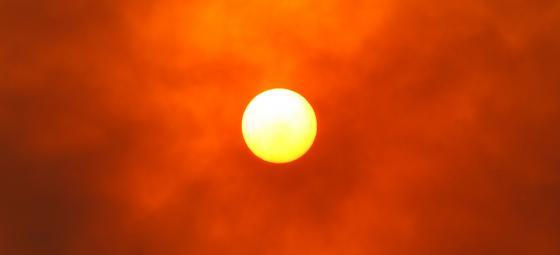 Glödande sol. Foto: Colourbox