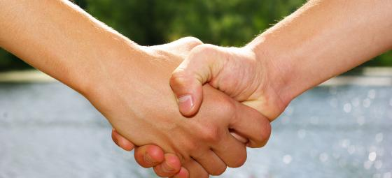 Handslag. Foto: Colourbox