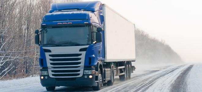 Scaniaekipage på vinterväg. Foto: Colourbox
