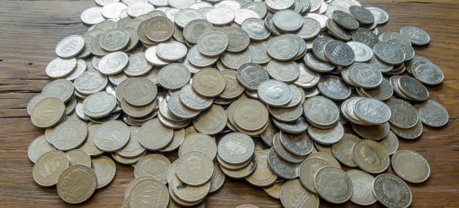 Svenska kronor på hög. Foto: Colourbox