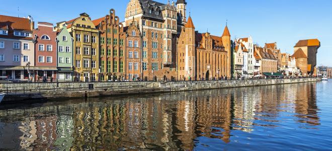 Centrala delen av hamn och varvsstaden Gdansk i norra Polen, också en viktig del av Medeltidens Hansaunion. Foto: Colourbox