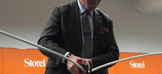 Rexels Sverige- och Nordenchef Joakim Forsmark inviger Storels nya flaggskeppsbutik på Kungsholmen i Stockholm i oktober 2016. Foto: Rexel