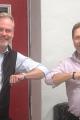 Mats Åström, Koncernchef Sandbäckens (tv) tillsammans med Mats Söderkvist, VD Rörbolaget M Söderkvist AB (th). Foto: Sandbäckens