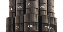 Staplade oljefat. Foto: Colourbox